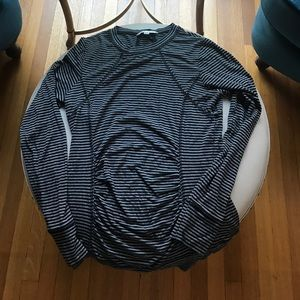CAbi long sleeve stretchy long sleeve top-Med