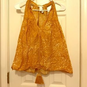 H&M Prairie Style Top in mustard yellow. Sz 12