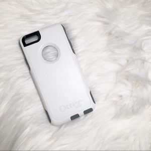 Lightweight White Otterbox for iPhone 6