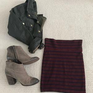 Knit Tube Skirt in Burgundy and Navy