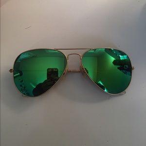 Green Aviator Ray Bans