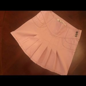 Ladies Pink Pleated Casual Skirt. Size 6.