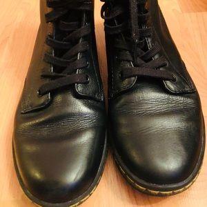 Dr Martens women's Leyton boots