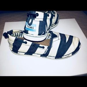 TOMS nautical striped Women's Classic