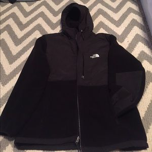 Women's North Face size XL