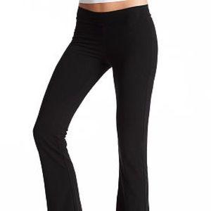 🌸Victoria's Secret pink solid black yoga pants🌸
