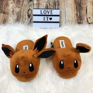 Pokémon Eevee slippers, size m (adults)