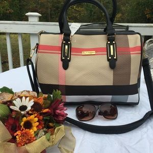 Burberry Bags 😍👠👄🌺