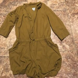 Old Navy Romper with Pockets!!