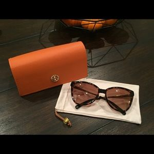 Tory Burch Folding Sunglasses 🕶