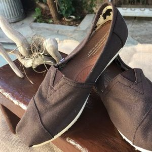 Brown Classic Toms slip on shoes