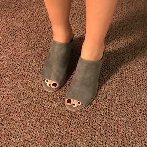 Report Shoes - Slide on Heels Mules NWT