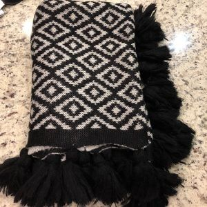 Black & white patterned blanket scarf with tassels
