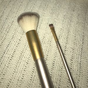 NWOT marching makeup brushes
