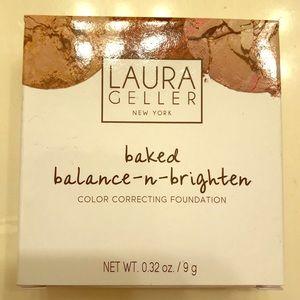 NEW Laura Geller Baked N balanced
