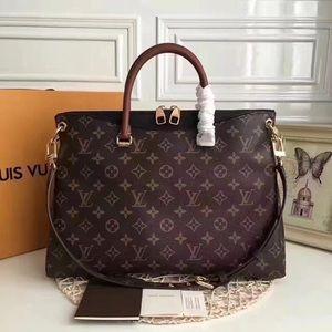 LOUIS VUITTON $499