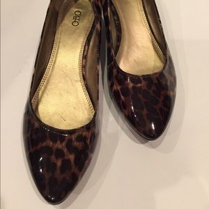 Cato leopard patent flats size 8 Waist/hip