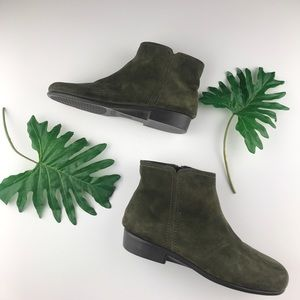 Aerosoles Olive Green Suede Ankle Booties Size 7.5