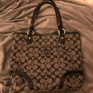 MAKE AN OFFER!! Authentic Coach Purse!!