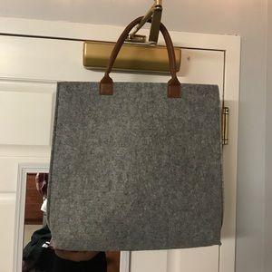 Grey thick felt tote bag