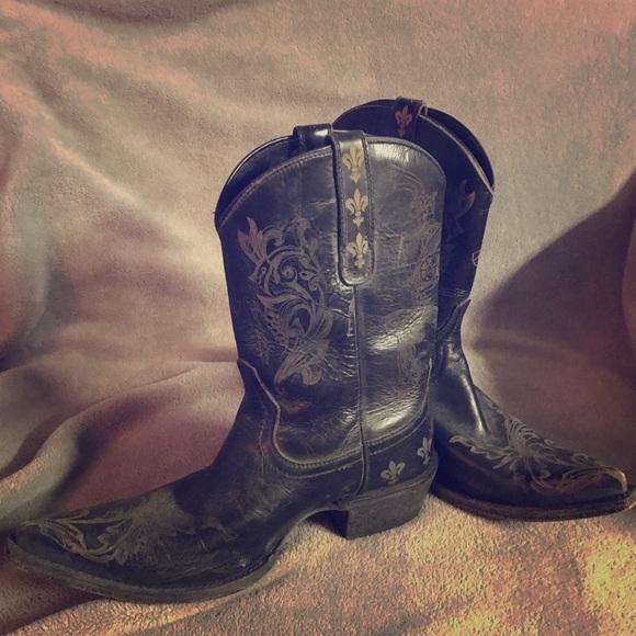 7362d371cf0 Ariat Pegosa Boots stone washed black fleur de Lis