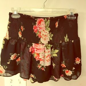 Floral skirt with closed inlay