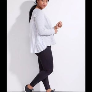 Livi active gray pleated back fly away Top 14/16