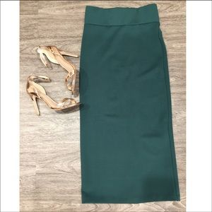 NWT✨ H&M Emerald Green High Waisted Long Skirt 😍