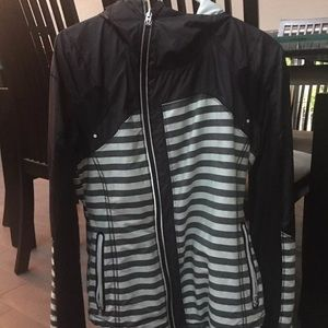 Reflective lululemon running rain jacket