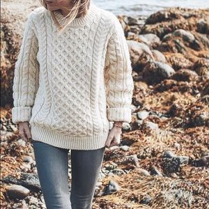 🆕 Listing! Irish vintage handknitted wool sweater