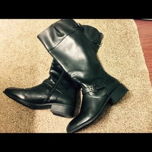Chaps Leather Boots