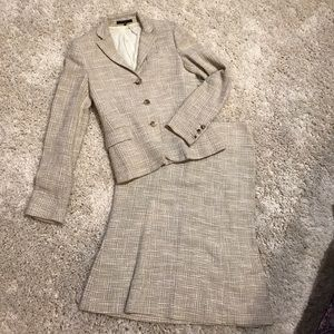 Theory skirt suit size 4