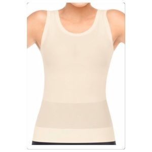 Nwt Spanx scoop classic tank