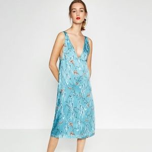 Sexy Blue Floral Plunging V neck dress Zara Sz M