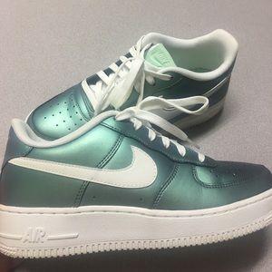 Metallic blue Nike Air Force 1 💙