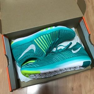 Nike Free Transform Flyknit Size 7