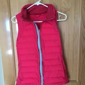 lululemon fluffed Up Vest size 6