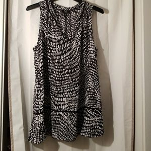 Black/White Mossimo top
