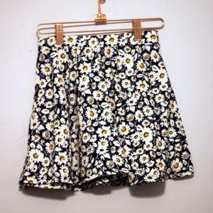 Forever21 Daisy Floral  Mini Skirt