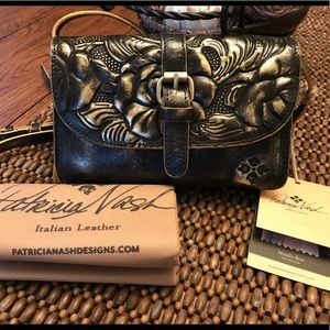 NWT Patricia Nash Metallic Rose Crossbody/Handbag