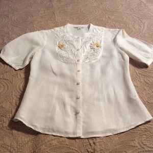 White linen short-sleeve shirt