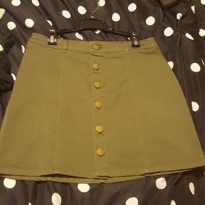 Button front army green skirt