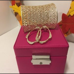Kendra Scott bundle- Jude bangle + Livi earrings