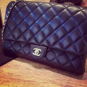 💯 Authentic Chanel Clutch  Lambskin with Chain