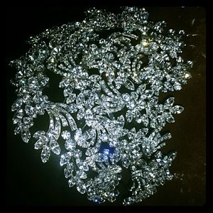 AVAILABLE 1 WEEK ONLY! BRIDAL HEADPIECE.