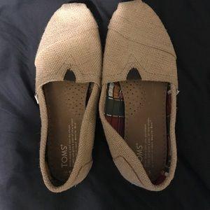 Brand new, never worn toms!!