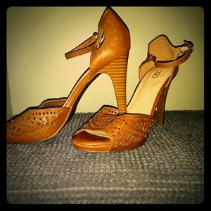 Camel Brown Peep-Toe Heels