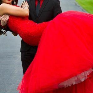 Red Sherri Hill Prom Dress