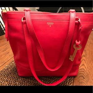 Fossil Pre-owned Gifting Leather Tote Bag Red