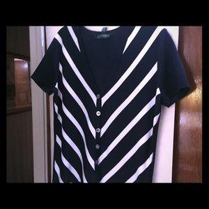 Short sleeve knit top